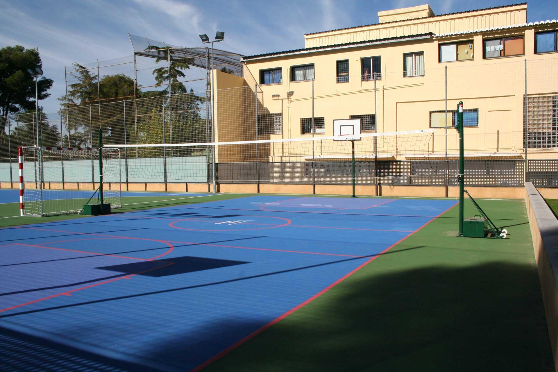 Instalaciones deportivas rivas luna centro de ense anza for Gimnasio rivas centro